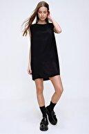 Trend Alaçatı Stili Kadın Siyah Vatkalı Basic Dokuma Elbise ALC-X6021