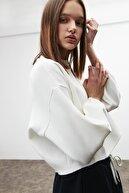 GRIMELANGE LIV Kadın Beyaz Yuvarlak Yaka Düşük Omuz Sweatshirt