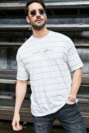 Sateen Men Erkek Beyaz-Bej Yazı Baskılı Çizgili T-Shirt