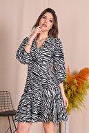 Neşeli Butik Kadın Siyah Yeni Sezon Desenli Eteği Fırfırlı Elbise Dks004