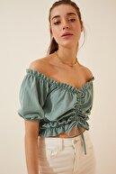Happiness İst. Kadın Çağla Yeşili Carmen Yaka Büzgülü Crop Örme Bluz Lİ00056