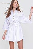Trend Alaçatı Stili Kadın Beyaz Safari Dokuma Gömlek Elbise ALC-X6196