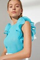 TRENDYOLMİLLA Mavi Omuz Detaylı Bluz TWOSS21BZ0961