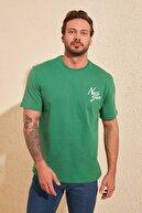 TRENDYOL MAN Yeşil Erkek Geniş Kesim Fit Baskılı T-Shirt TMNSS20TS1099