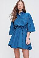 Trend Alaçatı Stili Kadın Petrol Mavi Safari Dokuma Gömlek Elbise ALC-X6196