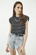 Vis a Vis Kadın Siyah-Beyaz Çizgili Vatkalı Tshirt Stn669Kts105