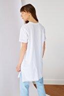 TRENDYOL MODEST Beyaz Basic Kısa kollu Yırtmaçlı Süprem Tesettür T-Shirt TCTSS21TN0056