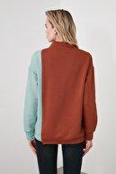 TRENDYOLMİLLA Tarçın Renk Bloklu Dik Yaka Basic Örme Sweatshirt TWOAW21SW0234