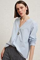Yargıcı Kadın Mavi Çizgili Büzgü Detaylı Gömlek 9YKGM6139A