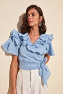 TRENDYOLMİLLA Mavi Kuşaklı Volanlı Bluz TWOSS20BZ0351