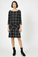 Koton Kadın Siyah Kare Desenli Elbise