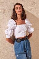 TRENDYOLMİLLA Beyaz Büzgülü Bluz TWOSS19XB0036