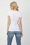 Colin's KADIN Slim Fit Bisiklet Yaka Örme Kadın Beyaz Kısa Kol Tişört CL1047749