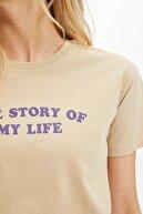 Defacto Kadın Bej Yazı Baskılı Kısa Kollu T-Shirt N0499AZ.20SP.BG203