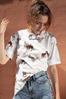 Pattaya Kadın Çita Baskılı Yırtmaçlı Kısa Kollu Tişört Y20s110-4133