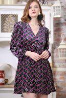 Chiccy Kadın Floral Vintage Kadife Çiçek Desenli V Yaka Elbise M10160000EL97343