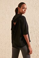 TRENDYOLMİLLA Siyah Sırt Dekolteli Spor T-Shirt TWOSS20TS0655