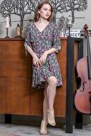 Chiccy Kadın Yeşil V Yaka Düğme Detaylı Kolları Büzgülü Kloş Gelincik Desenli Elbise M10160000EL95168