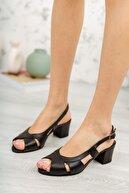 İZBELLA Siyah Deri Kadın Klasik Topuklu Ayakkabı