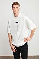 GRIMELANGE Project Erkek Beyaz Oversize Bisiklet Yaka Kısa Kollu Önü Baskılı T-shirt