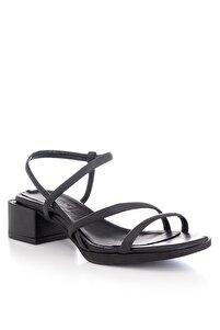 El Yapımı Hakiki Deri Siyah Topuklu Sandalet - Kp8115