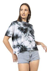 Kadın Siyah Beyaz Batik Desenli Kısa Kollu T-shirt