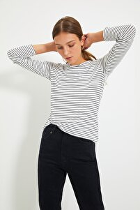 Beyaz Çizgili Basic Uzun Kol Örme Örme T-Shirt TWOAW20TS0097