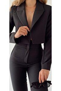 Siyah Astarlı Düğmesi Crop Blazer Ceket