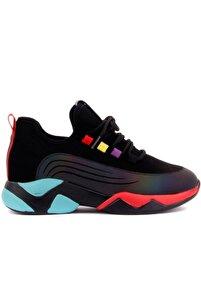 - Siyah Bağcıklı Spor Ayakkabı