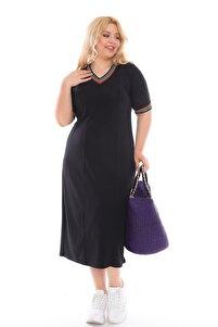 Kadın Büyük Beden Siyah Renk Kısa Kollu Elbise Yaka ve Kollarda Gökkuşağı Çizgileri Detaylı