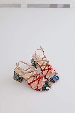 Limoya Coco Ten Kum Kırmızı Pudra Süet Çapraz Detaylı Yılan Alçak Topuklu Sandalet