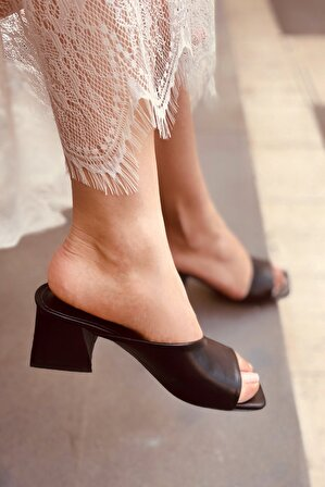 LAMİNTA Merla Siyah Deri Topuklu Terlik