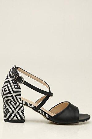 S1441 Siyah-Beyaz Kadın Klasik Topuklu Ayakkabı