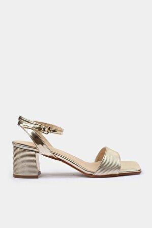 Hotiç Gold Kadın Sandalet