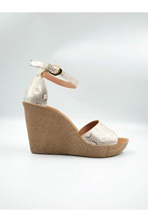 Impero Kadın Altın Baskılı Rengi Deri Dolgu Topuklu Sandalet