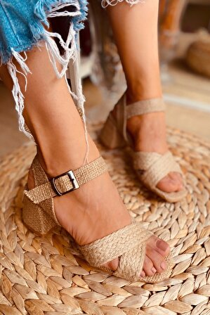 LAMİNTA Kadın Hasır Candy Hasır Çapraz Topuklu Sandalet