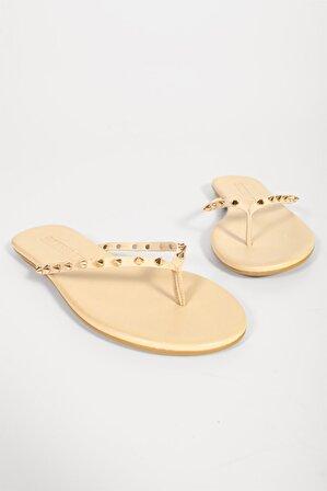 Shoes & More Kadın Bej Zımba Detaylı Slops Terlik