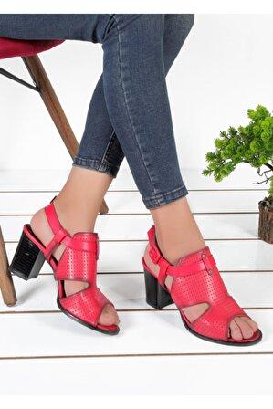Byn Ayışığı Kırmızı Cilt Ortopedik Kadın Sandalet