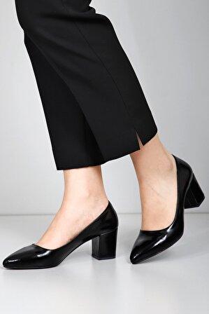 G.Ö.N Kadın Siyah Topuklu Ayakkabı 40201