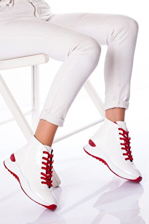 Stilbu Kadın Beyaz Rugan Alda Bot