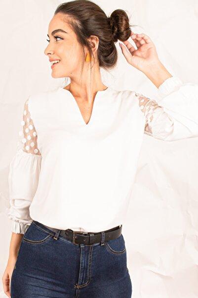 Kadın Beyaz V Yaka Kolu Tüllü Balonlu Bluz ARM-20K001038