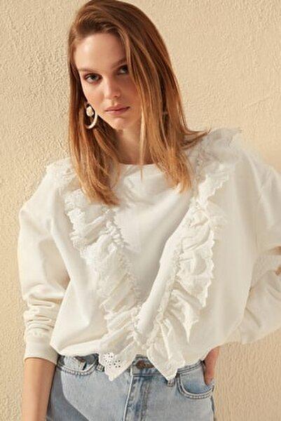 Ekru Fırfır Detaylı Basic Örme Sweatshirt TWOSS20SW0144
