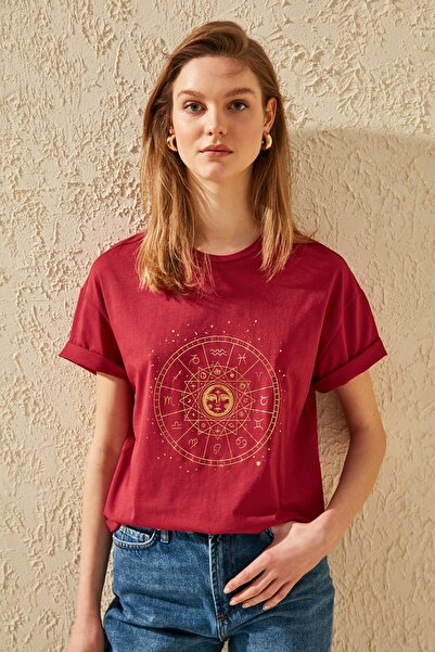Bordo Baskılı Boyfriend Örme T-Shirt TWOSS20TS0249