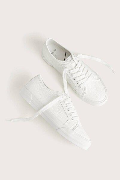 Kadın Beyaz Kabartma Timsah Derisi Efektli Spor Ayakkabı 11406560