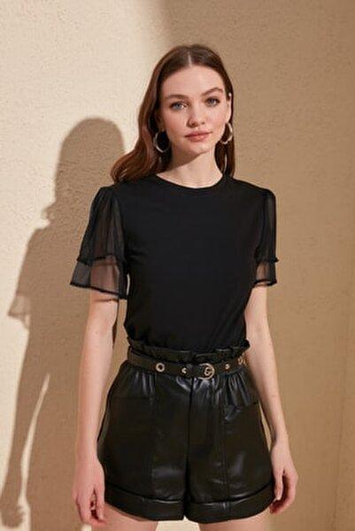 Siyah Kolları Tül ve Volan Detaylı Örme Bluz TWOSS20BZ0720