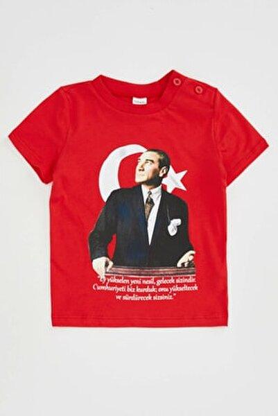 Erkek Bebek Kırmızı 23 Nisan Atatürk Baskılı Kısa Kollu T-shirt