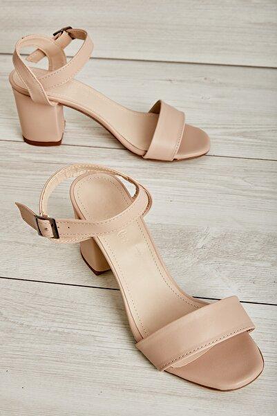 Bambi Pudra Kadın Klasik Topuklu Ayakkabı L05035507