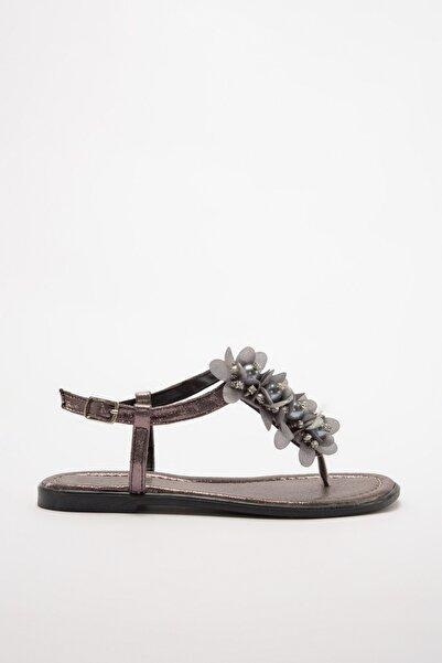 TRENDYOLMİLLA Platin Taş Detaylı Kadın Sandalet TAKSS20SD0014