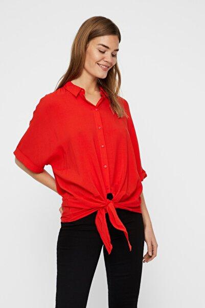 Vero Moda Kadın Kırmızı Yarasa Kol Bağlama Detaylı Viskon Gömlek 10214788 VMKHLOE