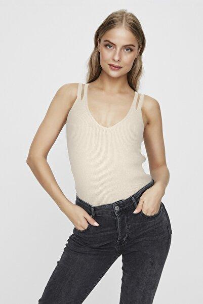 Vero Moda Kadın Ekru Önü ve Arkası V Dekolteli Çift Askılı Bluz 10225551 VMHAYLO